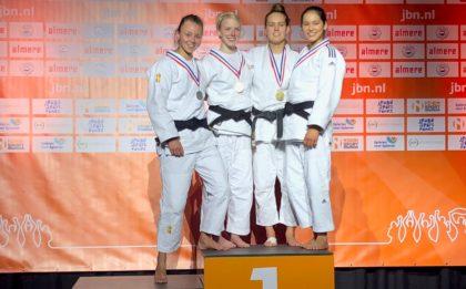 Judo Yushi judoka Ilse Buren op podium NK Judo 2018