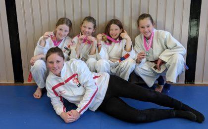 Hikari Meisjestoernooi pupillen Judo Yushi in de prijzen