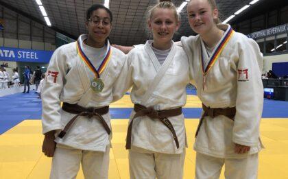 kampioenschap van Noord-Holland tot 18 jaar 2021 met goud voor Maira Medema en brons voor Estrella Otte